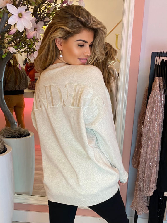 Reinders – Sweater Back Embroidery – Creme